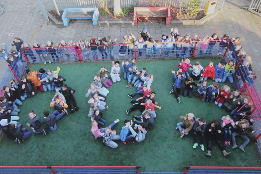 2015 – OOS International supports the development of children at primary school De Wegwijzer
