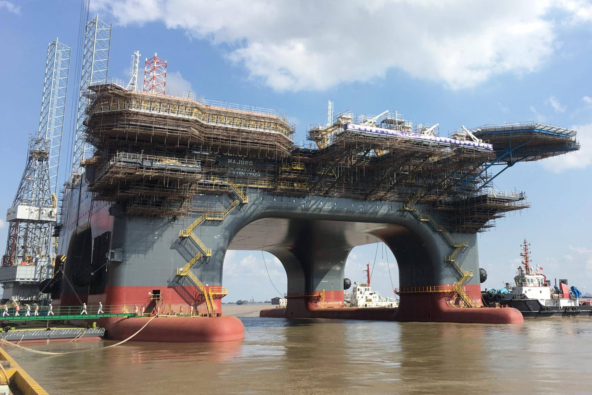 Newbuild Heavy Lift Crane Vessel one step closer to delivery